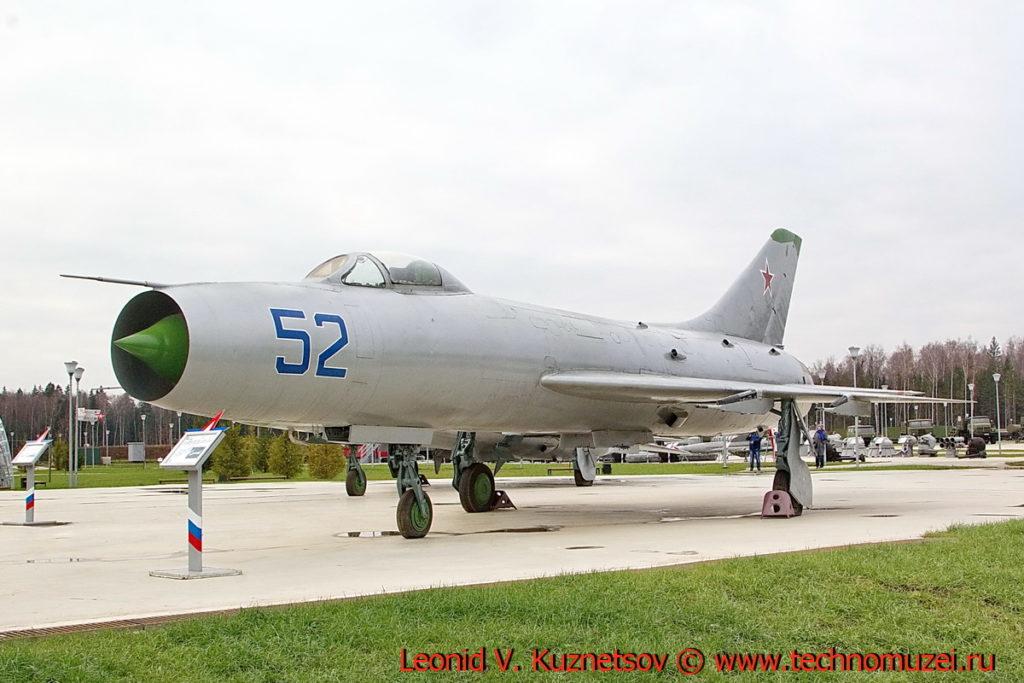 Истребитель-перехватчик Су-9 в парке Патриот