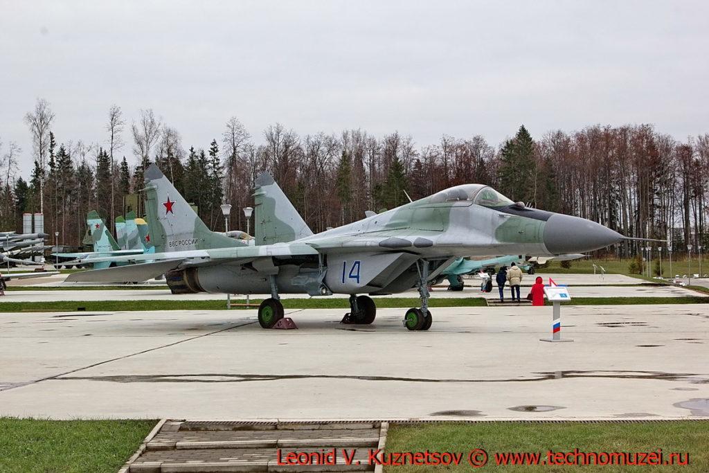Истребитель МиГ-29 в парке Патриот
