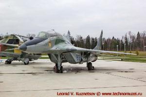 Истребитель МиГ-29УБ в парке Патриот
