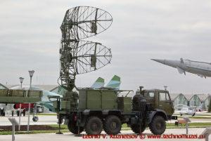Радиолокационная станция 35Н6 Каста-2-1 в парке Патриот