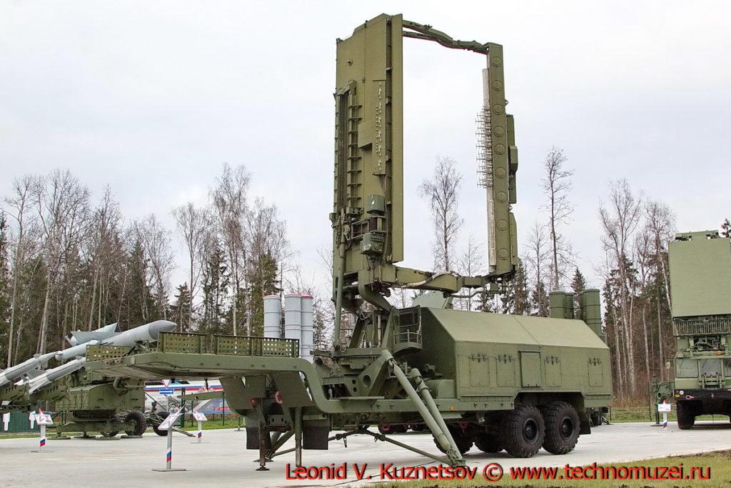 Радиолокационная станция 35Д6 СТ-68УМ в парке Патриот