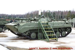 Командно-штабная машина БМП-1КШ Поток-2 Объект 774 в парке Патриот