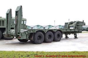 Полуприцеп-тяжеловоз для перевозки танков в парке Патриот