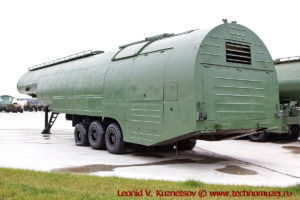 Топливозаправщик АТЗ-60-8685 в парке Патриот
