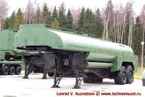 Топливозаправщик ТЗ-30 в парке Патриот