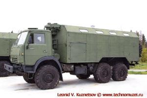 Грузовой автомобиль КАМАЗ-43101 с кузовом КУНГ в парке Патриот