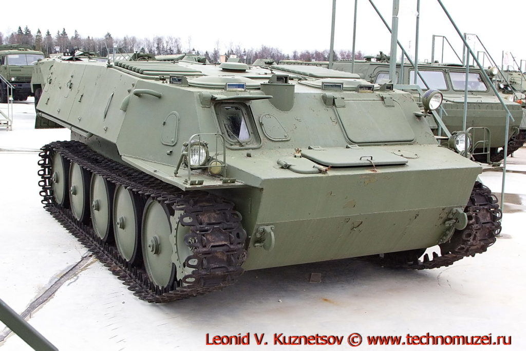 Гусеничный транспортер ГТ-МУ в парке Патриот
