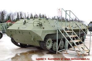 Гусеничный транспортер МТ-ЛБу Объект 10 в парке Патриот