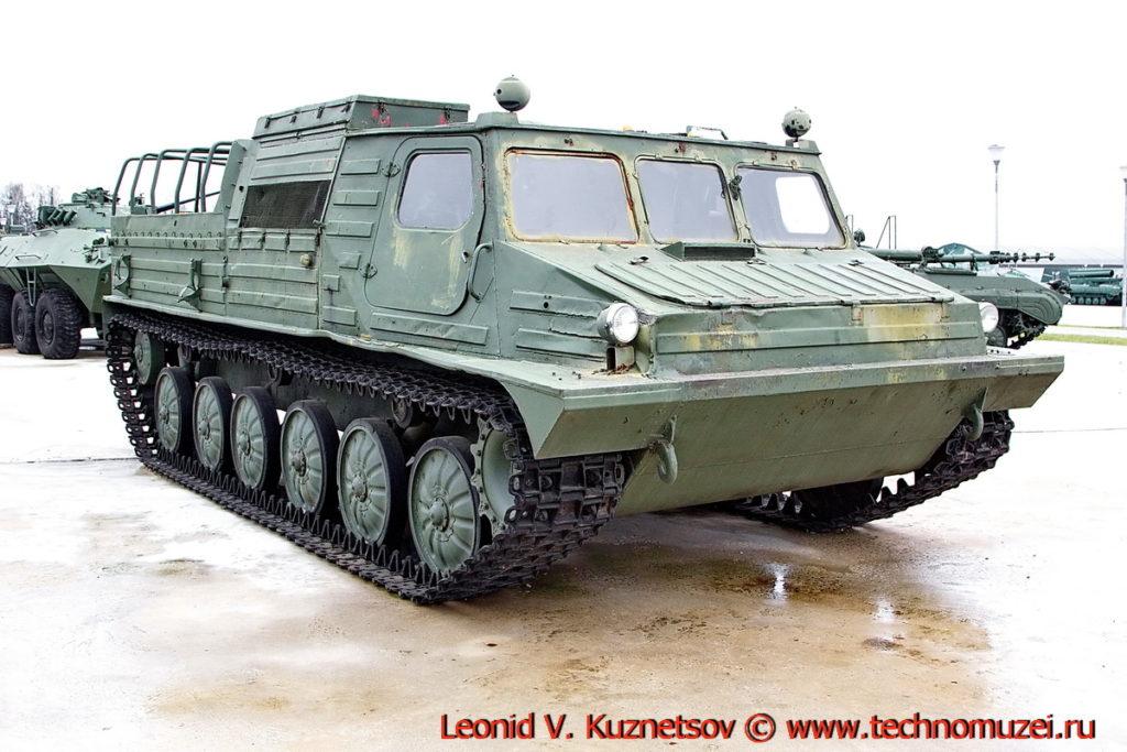 Гусеничный транспортер ГТ-ТМ Изделие 536 в парке Патриот