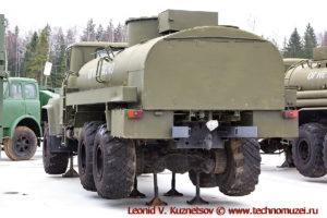 Топливозаправщик АТЗ-9,3-260 в парке Патриот