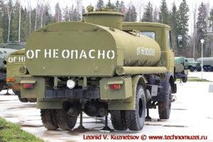 Автоцистерна АЦ-9-5337 в парке Патриот
