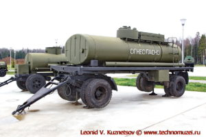 Прицеп-цистерна ПЦ-8 в парке Патриот