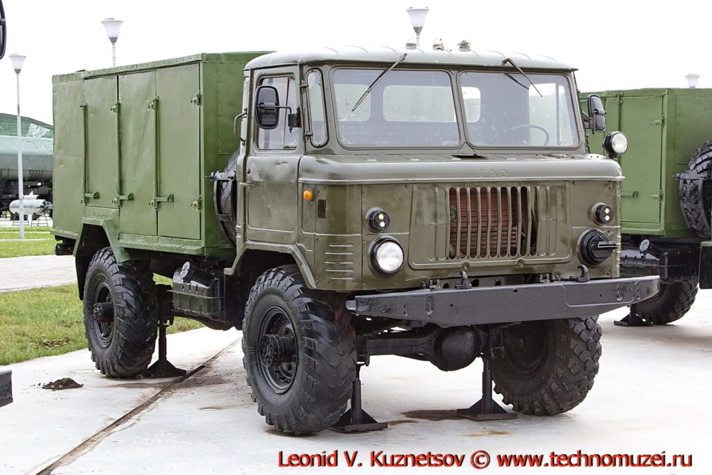 Комбинированный фургон АФК-66 в парке Патриот