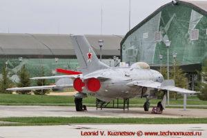 Истребитель МиГ-19 в парке Патриот
