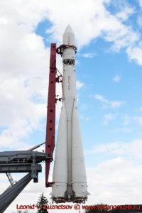 Ракета-носитель Восток у павильона Космос на ВДНХ
