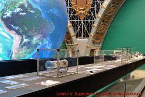 Стол технологических идей в павильоне Космос на ВДНХ