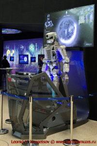 Говорящий робот в павильоне Космос на ВДНХ