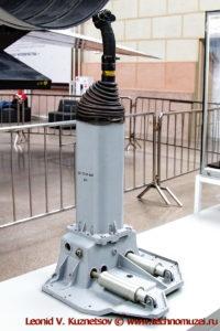 Узлы и приборы космического челнока Буран в павильоне Космос на ВДНХ