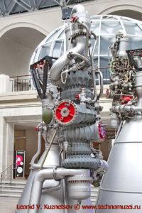 Ракетный двигатель НК-33 в павильоне Космос на ВДНХ