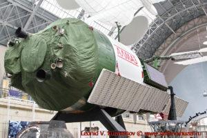Макет орбитальной станции космической разведки Алмаз-1 в павильоне Космос на ВДНХ
