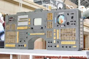 Узлы и приборы космических кораблей Союз в павильоне Космос на ВДНХ