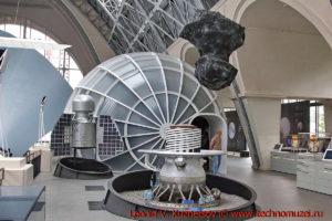 Макет кометы Чурюмова-Герасименко в павильоне Космос на ВДНХ