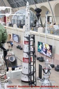 Макет ракеты-носителя Н-1 в павильоне Космос на ВДНХ