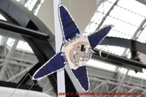 Масштабная модель спутника Прогноз в павильоне Космос на ВДНХ