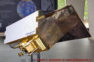 Макет спутника Метеор-М №3 в павильоне Космос на ВДНХ