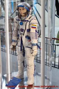 Скафандр Сокол-КВ2 в павильоне Космос на ВДНХ