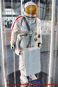 Скафандр Ястреб в павильоне Космос на ВДНХ