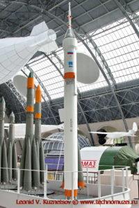 Ракеты-носители Спутник, Луна, Восток, Молния, Восход, Союз-ФГ и Союз-5 семейства Р-7 в павильоне Космос на ВДНХ