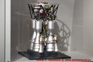 Модель двигателя РД-107 в павильоне Космос на ВДНХ