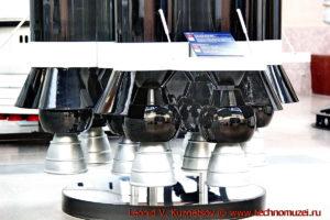 Макет ракеты-носителя УР-700 в павильоне Космос на ВДНХ
