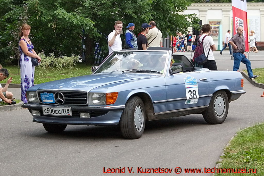 Mercedes-Benz 280 SL (W107)1979 года на ралли Bosch Moskau Klassik 2018