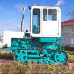 Памятник трактор Т-70С в Совхозе имени Ленина
