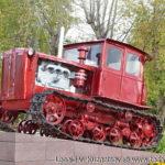 Памятник трактор ДТ-54 в Совхозе имени Ленина