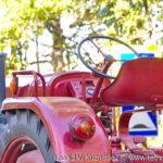 Памятник трактор Fahr D17 в Совхозе имени Ленина