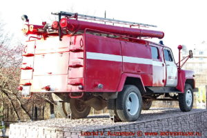Памятник пожарному ГАЗону в Костроме