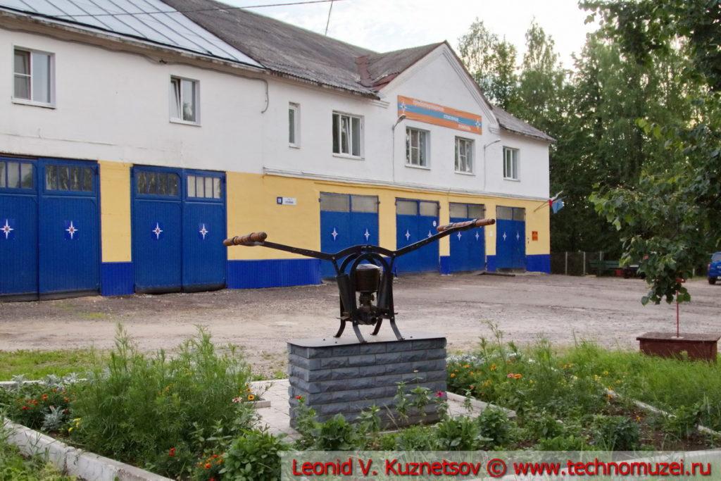 Ручной пожарный насос памятник в Шарье
