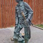 Памятник пожарному брандмейстеру во Владимире