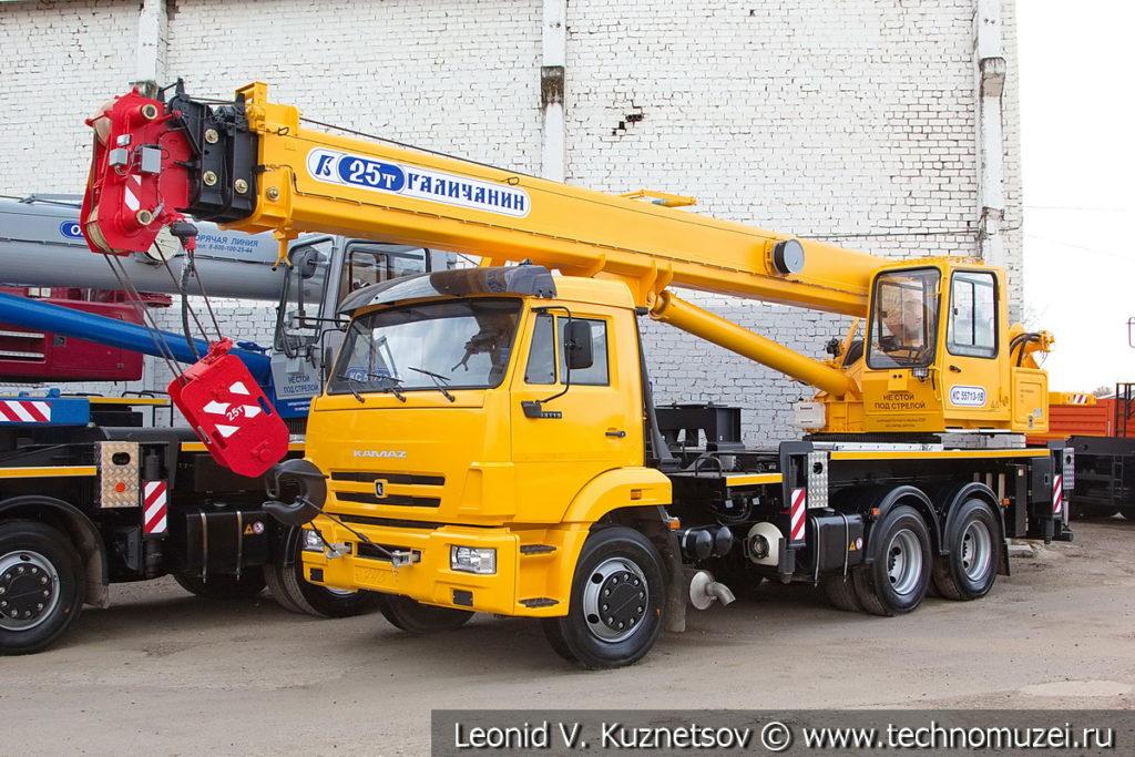 25-тонный автокран Галичанин