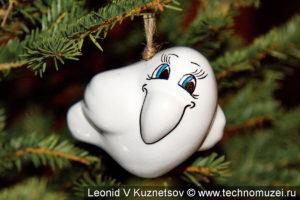 Елочная игрушка из фарфора