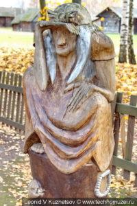 Баба-Яга на Поляне сказок в этнографическом музее Костромская слобода