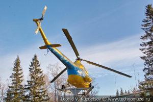 Памятник вертолет Ми-2 в Костроме