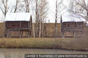 Бани из деревни Ведерки в этнографическом музее Костромская слобода