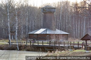Мельница-шатровка из деревни Спас в в этнографическом музее Костромская слобода