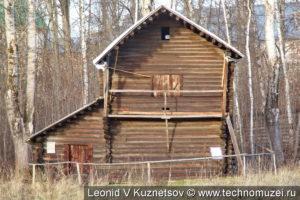 Овин из деревни Пустынь в этнографическом музее Костромская слобода
