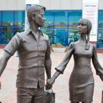 Скульптура Семья в Орловском ГРИНН Центре