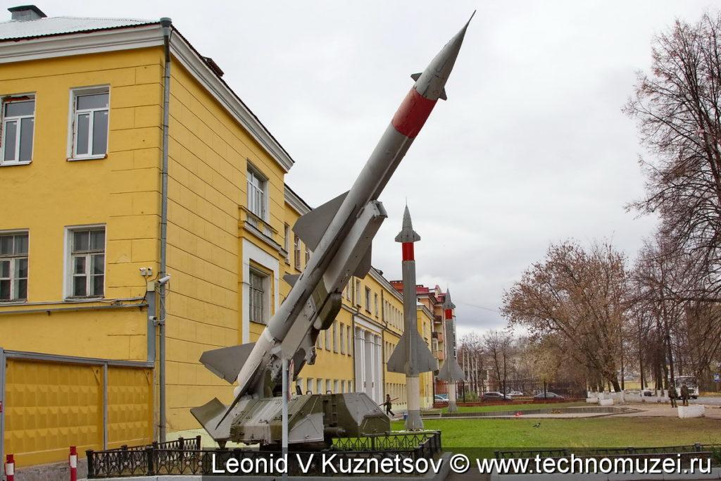 Зенитные ракеты у Ярославского училища ПВО